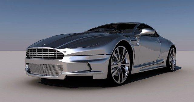 sportovní auto stříbrné